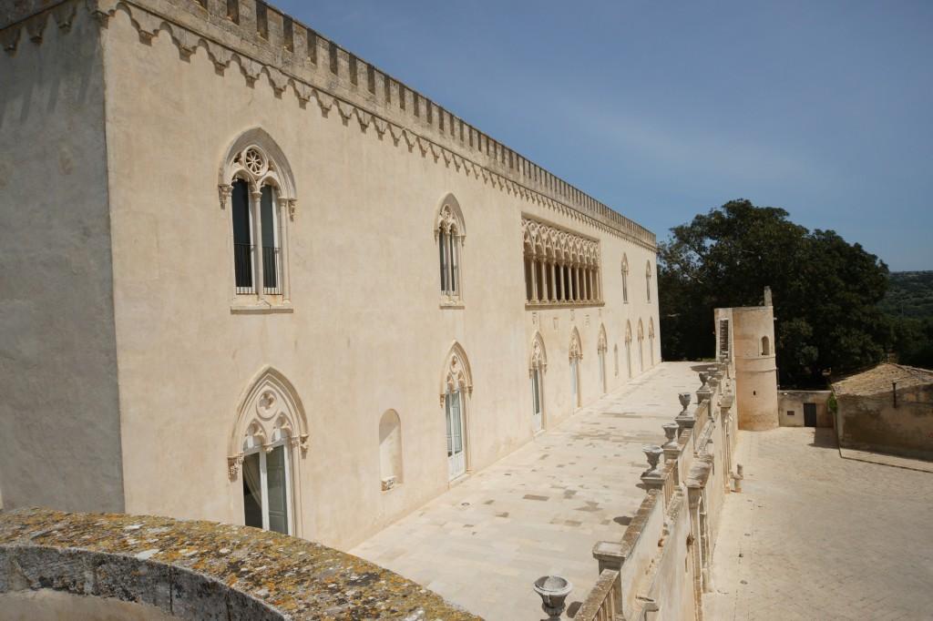 Castello-donnafugata-loggia