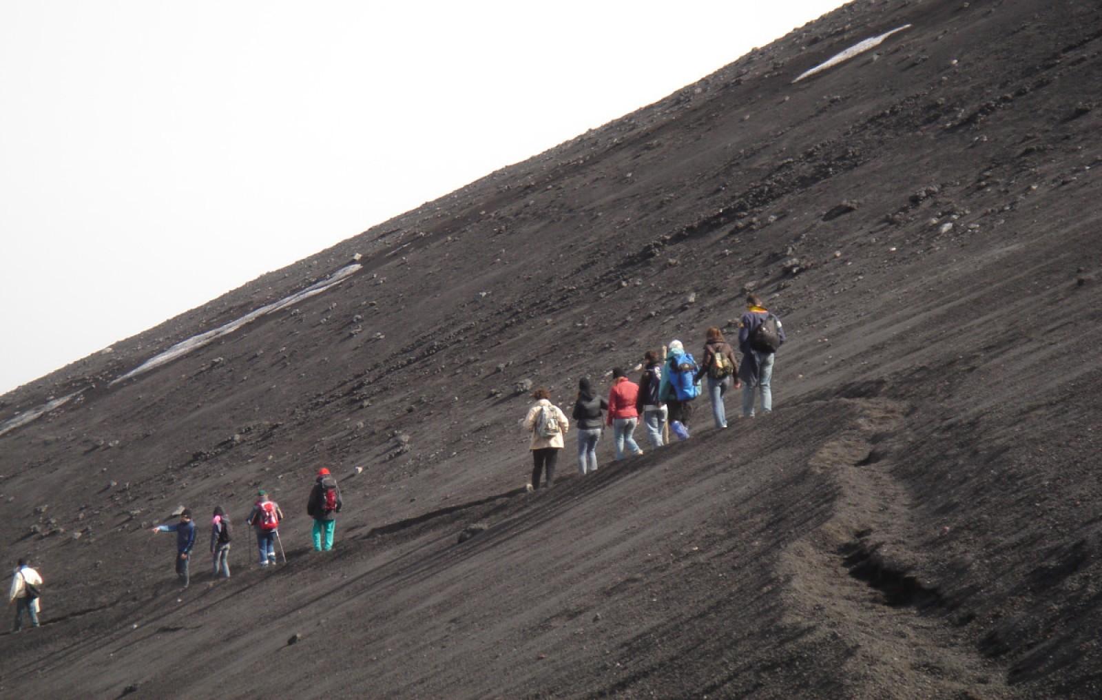 Come raggiungere la valle del Bove sull'Etna
