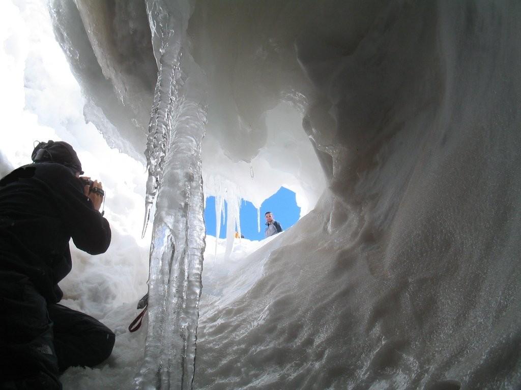 grotta del gelo etna
