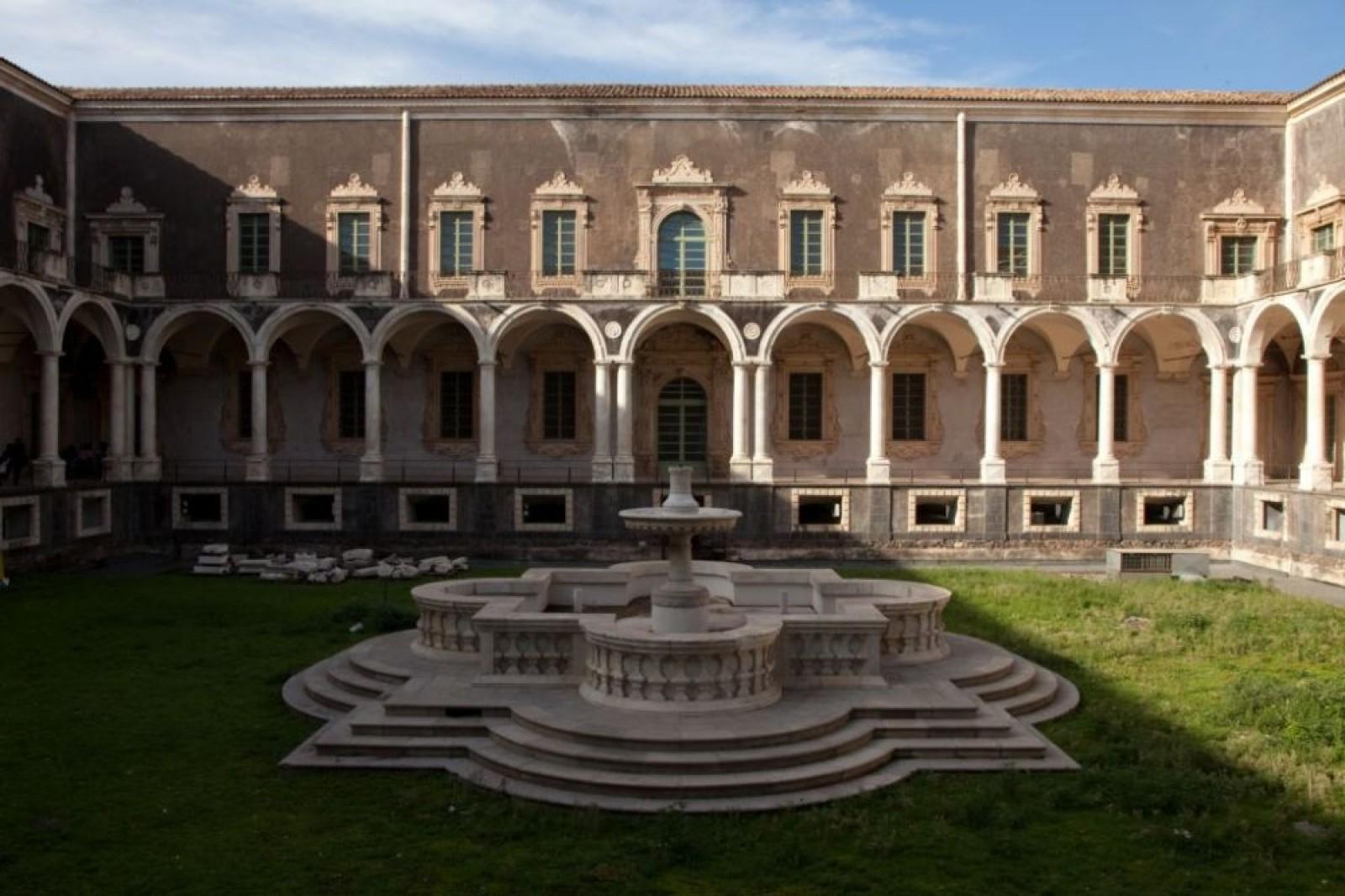 Il monastero dei benedettini a Catania