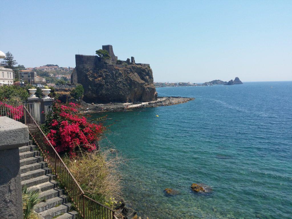 castelli in sicilia: il castello di Aci