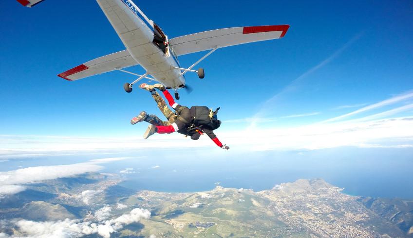 Idee regalo Sicilia: Lancio in paracadute con istruttore a 4000mt di altezza