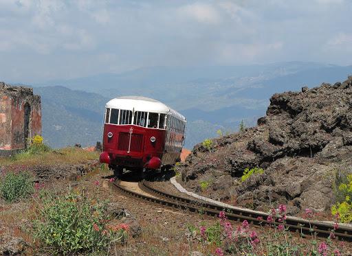 treno dei vini dell'Etna: la Circumetnea