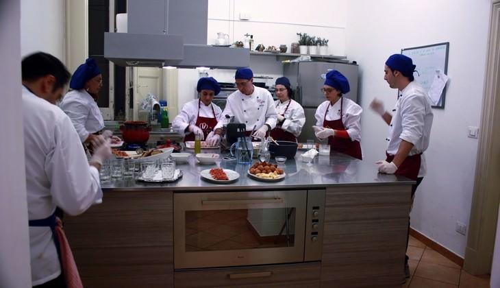 Corso di cucina catania lezione di gastronomia siciliana - Corso cucina catania ...