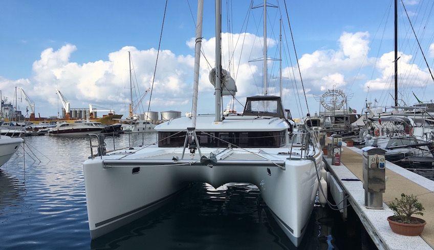 noleggio catamarano isole eolie - vacanze in barca a vela eolie